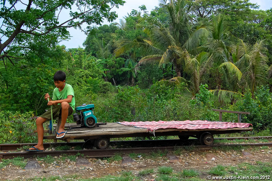 Bambusová drezína u Battambangu